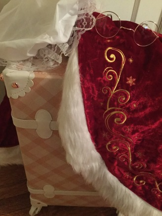 Touches of Mrs. Claus 003